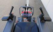 Mini-pelle-Takeuchi-commandes-de-la-cabine-de-conduite
